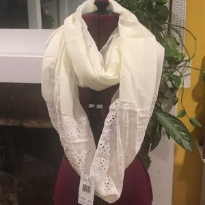 GUESS INFINITY SCARF